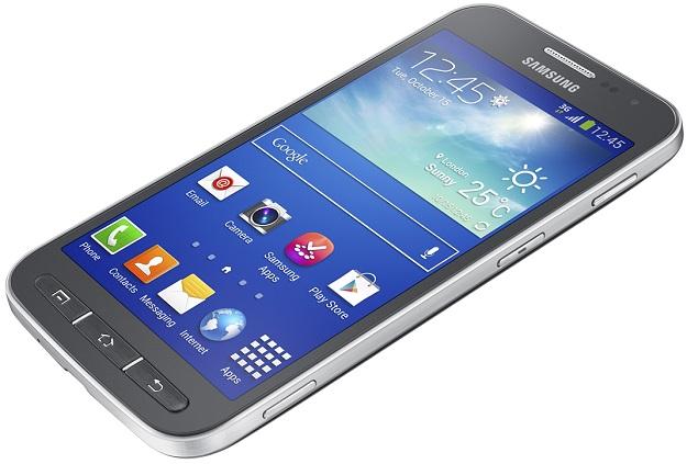 Piacon a nagyméretű Galaxy Core Advance okostelefon