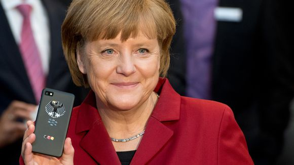 Angela Merkel és a BlackBerry mobilja