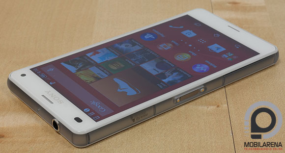 Sony Xperia Z3 Compact oldalról