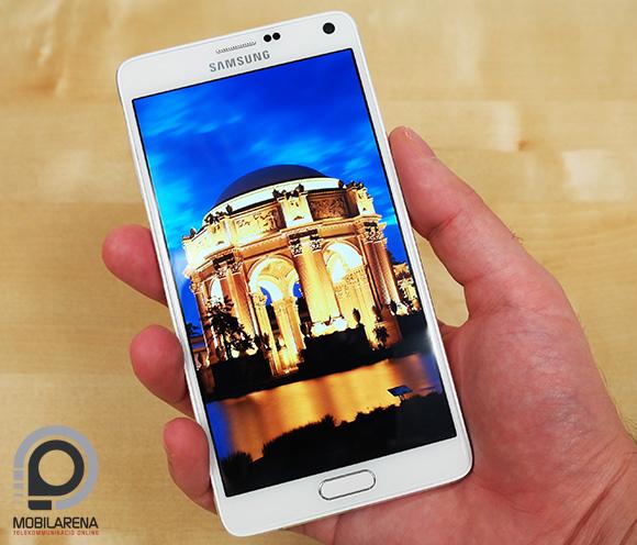 Jól áll a kézben a Samsung Galaxy Note 4