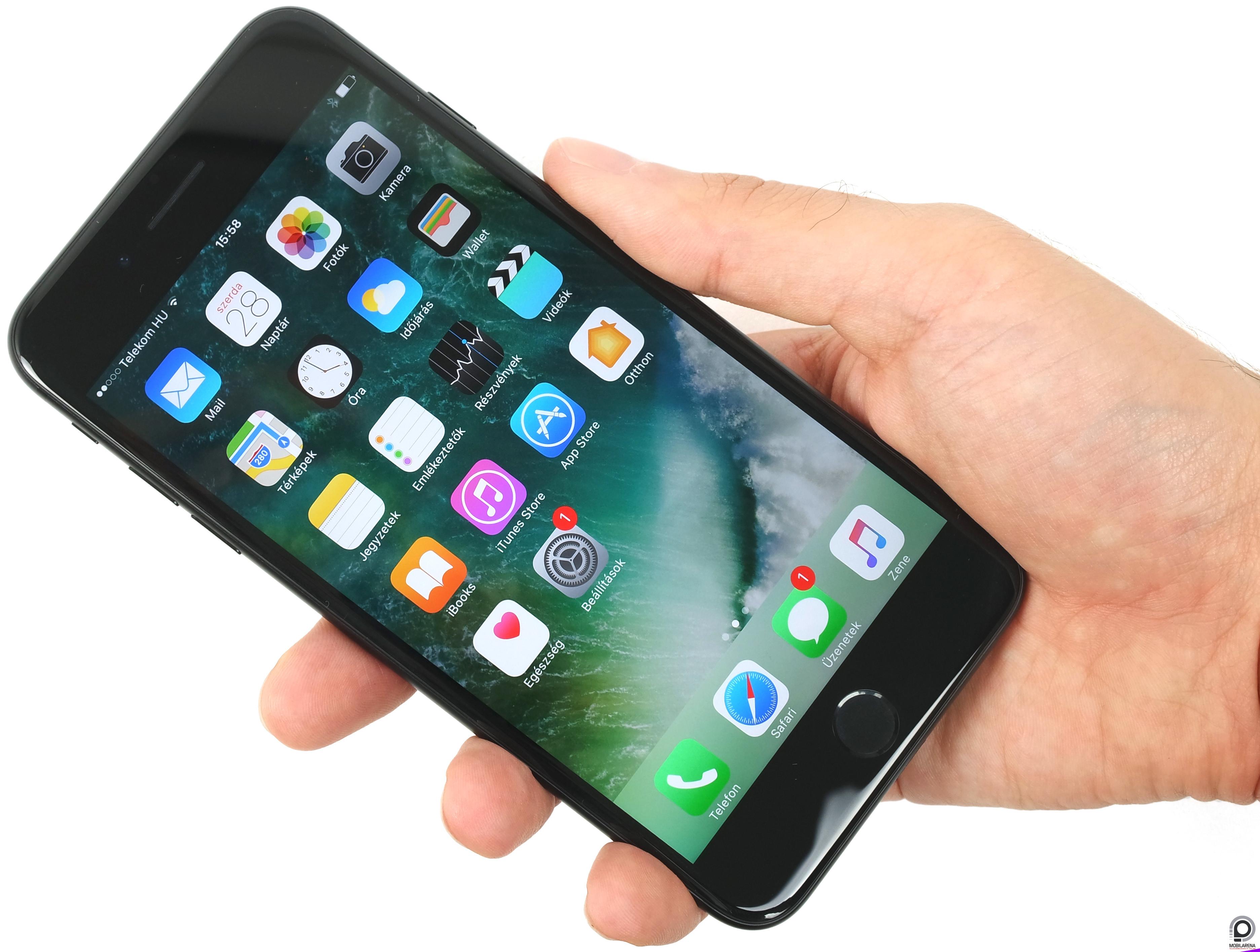 Furcsa dolog került az iPhone 7 jack dugó helyére