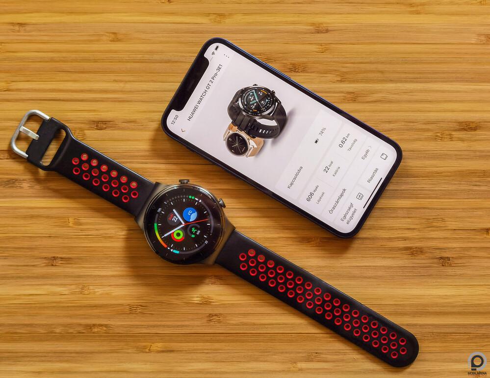 A Huawei Watch GT 2 Pro és az iPhone 12 Mini